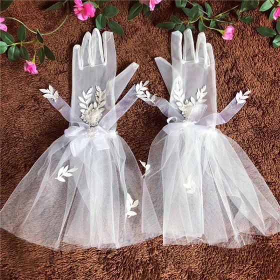 Piękne Białe Rękawiczki Ślubne 2020 Aplikacje Guziki Liść Koronkowe Tiulowe ślubna Bal Ślub Akcesoria