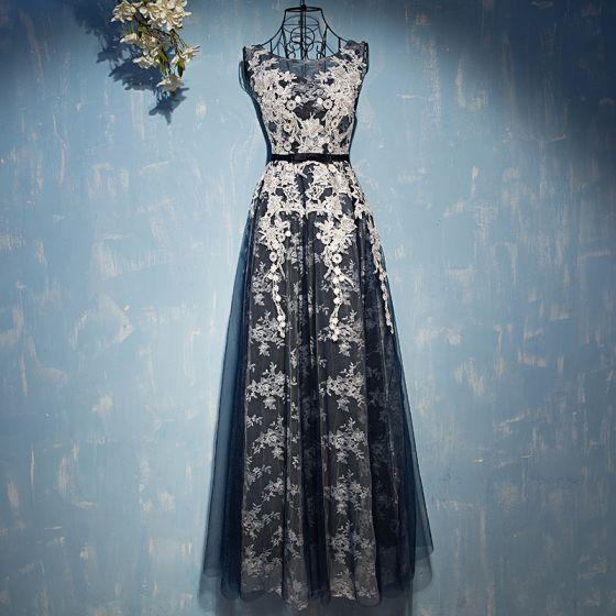Élégant Bleu Marine Robe De Ceremonie 2017 En Dentelle Fleur Noeud Encolure Dégagée Sans Manches Longueur Cheville Empire Robe De Soirée
