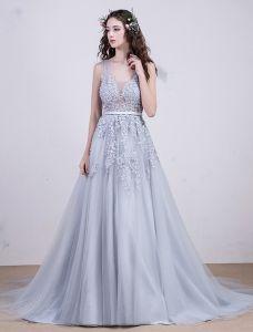 2016 Elegant Mit V-ausschnitt Ärmel Appliquespitze Backless Grau Tüll Abendkleider Mit Perlen Perlen Und Pailletten