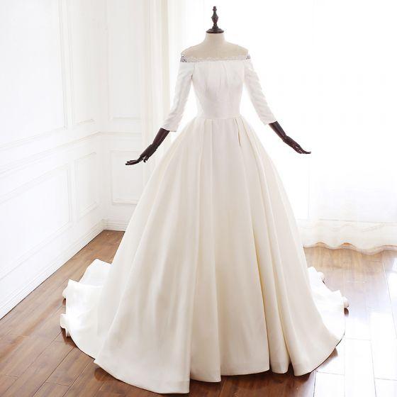Vintage / Retro Ivory Audrey Hepburn Style Wedding Dresses 2019 A-Line / Princess Off-The-Shoulder 3/4 Sleeve Backless Court Train