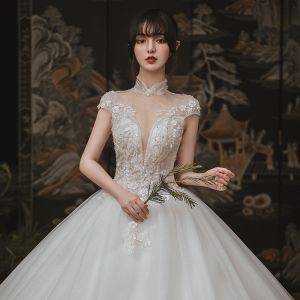 Vintage / Retro Ivory Outdoor / Garden Wedding Dresses 2020 Ball Gown See-through High Neck Short Sleeve Backless Appliques Lace Beading Glitter Tulle Floor-Length / Long Ruffle