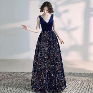 Elegante Königliches Blau Ballkleider 2020 A Linie Wildleder V-Ausschnitt Pailletten Ärmellos Rückenfreies Lange Festliche Kleider