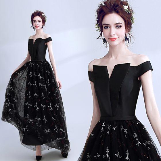 Modern / Fashion Black Prom Dresses 2018 A-Line / Princess Amazing / Unique Off-The-Shoulder Short Sleeve Embroidered Floor-Length / Long Backless Formal Dresses
