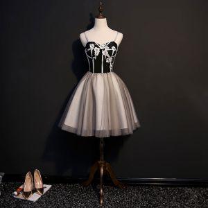 Sexy Noire Robe De Cocktail 2018 Princesse Appliques Bretelles Spaghetti Dos Nu Sans Manches Courte Robe De Ceremonie