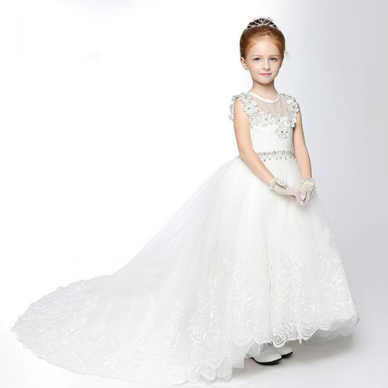 Chic / Beautiful Church Wedding Party Dresses 2017 Flower Girl Dresses White A-Line / Princess Cathedral Train Scoop Neck Sleeveless Backless Rhinestone Sash Lace Appliques Pearl