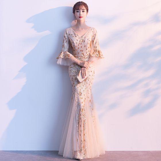 Charmant Champagner Abendkleider 2019 Meerjungfrau V-Ausschnitt Pailletten Glockenhülsen Rückenfreies Lange Festliche Kleider
