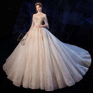 Luxus / Herrlich Champagner Brautkleider / Hochzeitskleider 2020 Ballkleid Off Shoulder Kurze Ärmel Rückenfreies Applikationen Spitze Perlenstickerei Quaste Kathedrale Schleppe Rüschen