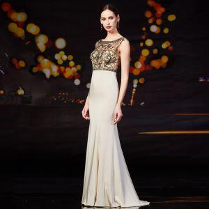 Chic Champagne Robe De Soirée 2019 Princesse Encolure Dégagée Perlage Faux Diamant Perle Sans Manches Dos Nu Longue Robe De Ceremonie