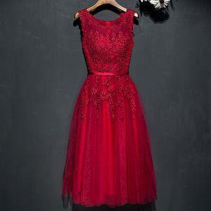 Schöne Rot Festliche Kleider 2017 Mit Spitze Blumen Perle Rundhalsausschnitt Ärmellos Wadenlang A Linie Abendkleider