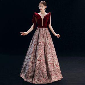 Élégant Bordeaux Robe De Soirée 2019 Princesse Encolure Carrée Daim Sans Manches Dos Nu Impression Longue Robe De Ceremonie