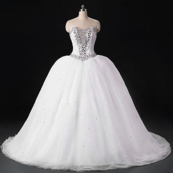 Sparkly White Wedding Dresses 2017 Backless Sweetheart Sleeveless Beading Crystal Sequins Organza Ball Gown Sweep Train
