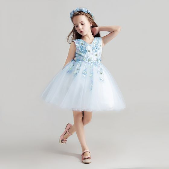 Chic / Beautiful Sky Blue Flower Girl Dresses 2017 Ball Gown V-Neck Sleeveless Appliques Flower Lace Short Ruffle Wedding Party Dresses