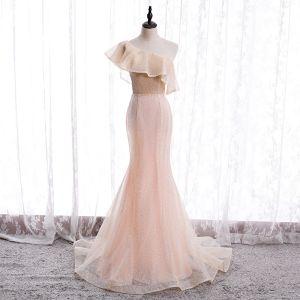 Schöne Pearl Rosa Abendkleider 2020 Meerjungfrau One-Shoulder Ärmellos Glanz Polyester Sweep / Pinsel Zug Rüschen Rückenfreies Festliche Kleider