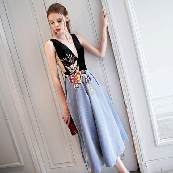 Chic / Beautiful Black Sky Blue Evening Dresses  2017 A-Line / Princess Lace V-Neck Leaf Homecoming Evening Party Formal Dresses