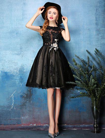 Princess Little Black Dresses 2016 Applique Lace With Sequins Knee Length Short Cocktail Dress