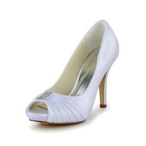 Simple White Bridal Shoes Ruffle Satin Peep Toe Pumps With Rhinestone