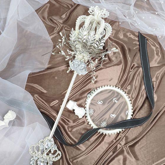 Luxe Het Beste Zilveren Bruidsboeket 2020 Metaal Appliques Kralen Kristal Rhinestone Handgemaakt Huwelijk Gala Accessoires