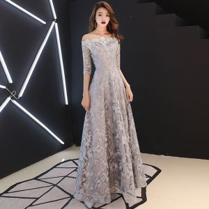 Niedrogie Szary Sukienki Wieczorowe 2019 Princessa Przy Ramieniu 1/2 Rękawy Aplikacje Z Koronki Długie Bez Pleców Sukienki Wizytowe