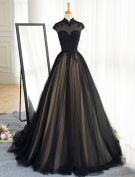 Vintage Prom Dresses 2017 High Neck Applique Beading Lace Black With Champagne Tulle Dress