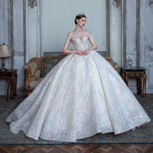 Fantastisk Vita Genomskinliga Brud Bröllopsklänningar 2020 Balklänning Av Axeln Korta ärm Halterneck Appliqués Spets Beading Paljetter Glittriga / Glitter Tyll