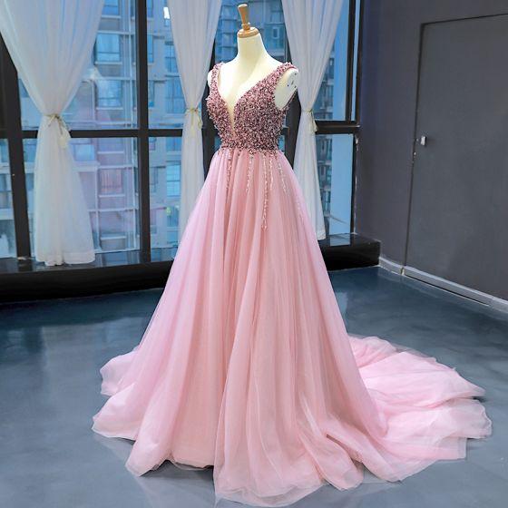 High End Pearl Rosa Abendkleider 2020 A Linie Tiefer V-Ausschnitt Ärmellos Perlenstickerei Kapelle-Schleppe Rüschen Rückenfreies Festliche Kleider