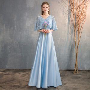 Chic / Belle Bleu Ciel Satin Robe Demoiselle D'honneur 2019 Princesse V-Cou 1/2 Manches Ceinture Perlage Longue Volants Robe Pour Mariage