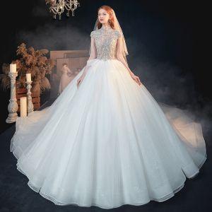 Vintage Weiß Durchsichtige Hochzeits Brautkleider / Hochzeitskleider 2020 Ballkleid Stehkragen Kurze Ärmel Rückenfreies Perlenstickerei Glanz Tülle Kathedrale Schleppe Rüschen