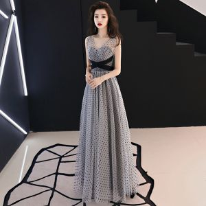 Chic / Beautiful Grey Evening Dresses  2019 A-Line / Princess V-Neck Sleeveless Spotted Tulle Sash Floor-Length / Long Ruffle Backless Formal Dresses