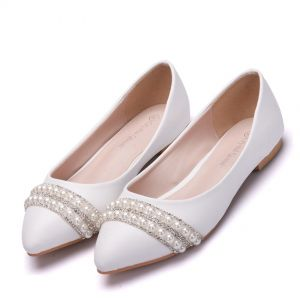 Chic / Beautiful White Pearl Rhinestone Pointed Toe Flat Wedding Shoes 2018