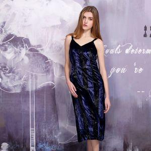 Klasyczna 2017 Granatowe Sukienki Na Studniówke V-Szyja Nylon W paski Bez Pleców Princessa Homecoming Sukienki Wizytowe