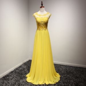 Modern / Fashion Yellow Evening Dresses  2017 A-Line / Princess Sweep Train Cascading Ruffles Scoop Neck Sleeveless Backless Lace Appliques Pierced Formal Dresses