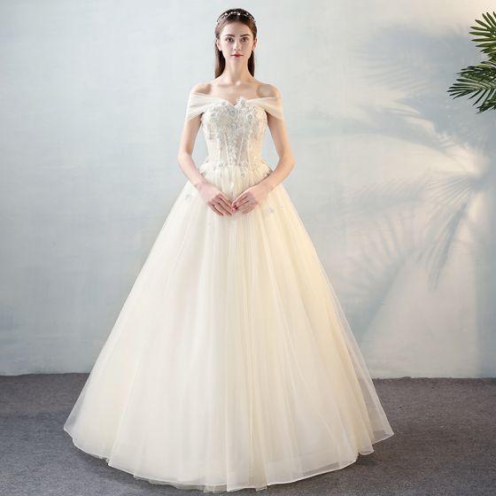 Schöne Ivory / Creme Brautkleider 2018 A Linie Mit Spitze Applikationen Perle Schleife Off Shoulder Rückenfreies Lange Hochzeit