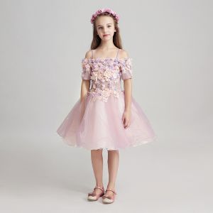 Chic / Beautiful Lavender Flower Girl Dresses 2017 Ball Gown Off-The-Shoulder Short Sleeve Appliques Flower Lace Pearl Knee-Length Ruffle Wedding Party Dresses