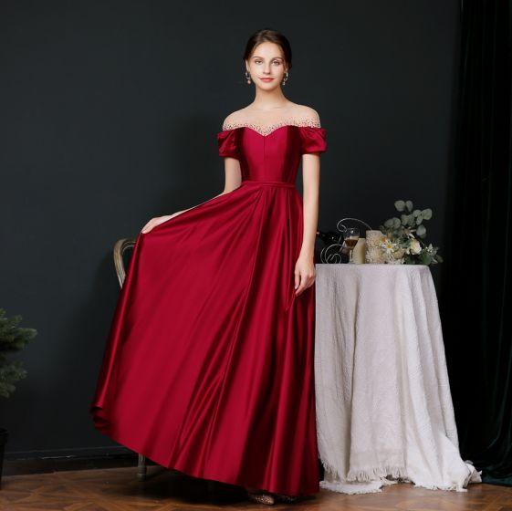 Sencillos Borgoña Satén Transparentes Vestidos de noche 2020 A-Line / Princess Escote Cuadrado Manga Corta Rhinestone Cinturón Largos Ruffle Sin Espalda Vestidos Formales