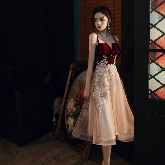 Chic / Beautiful Burgundy Champagne Homecoming Graduation Dresses 2020 A-Line / Princess Shoulders Sleeveless Appliques Lace Tea-length Backless Formal Dresses