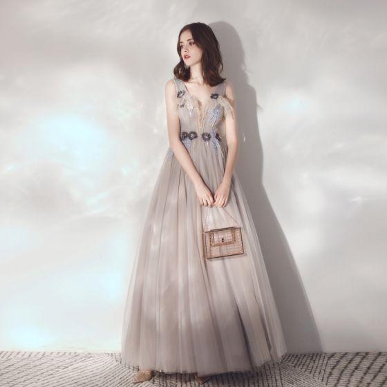 Elegant Grey Evening Dresses  2019 A-Line / Princess Deep V-Neck Sleeveless Appliques Flower Beading Floor-Length / Long Ruffle Backless Formal Dresses