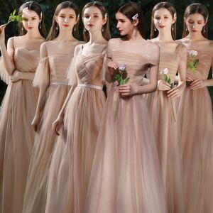 Piękne Brązowy Sukienki Dla Druhen 2020 Princessa Bez Pleców Szarfa Długie Wzburzyć