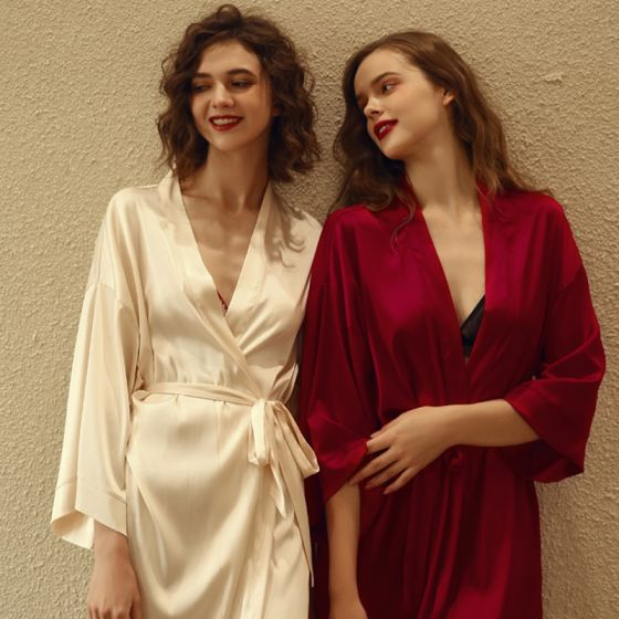 Modest / Simple Red Ivory Wedding Bridal Bridesmaid V-Neck 3/4 Sleeve Silk Robes 2020 Sash