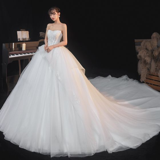 Illusion White Sequins Lace Flower Wedding Dresses 2021 Ball Gown Strapless Sleeveless Backless Royal Train Wedding