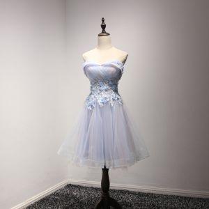 Moderne / Mode Bleu Ciel Robe De Fete 2017 Courte Princesse Volants en Cascade Amoureux Sans Manches Dos Nu Appliques Fleur Perle Robe De Ceremonie