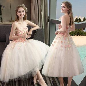Erschwinglich Champagner Brautkleider 2018 A Linie Herz-Ausschnitt Ärmellos Rückenfreies Applikationen Blumen Pailletten Rüschen Wadenlang
