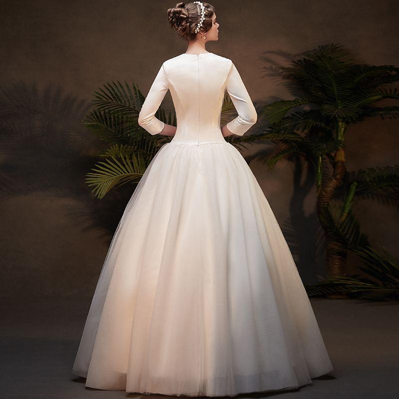 Vintage / Retro Affordable Ivory Winter Wedding Dresses 2019 A-Line / Princess V-Neck 3/4 Sleeve Appliques Lace Floor-Length / Long Ruffle