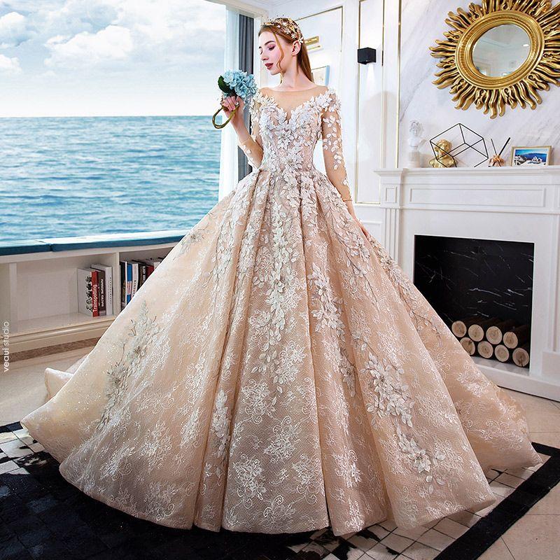 Luxe Champagne Fait main Perlage Robe De Mariée 2019 Princesse Encolure Dégagée Appliques En Dentelle Cristal 3/4 Manches Dos Nu Royal Train