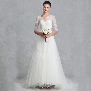 Klassieke Elegante Witte Trouwjurken 2020 A lijn V-Hals 1/2 Mouwen Ruglooze Geborduurde Royal Train Huwelijk