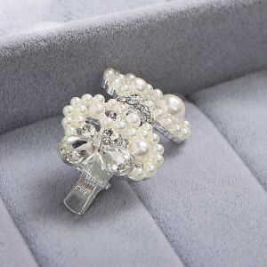 White Rhinestone Butterfly Knot Pearl Bridal Headpiece