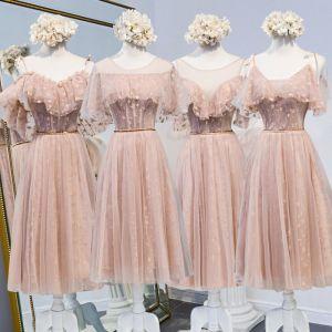 Mooie / Prachtige Parel Roze Bruidsmeisjes Jurken 2020 A lijn Appliques Kant Kralen Gordel Korte Ruche Ruglooze Jurken Voor Bruiloft