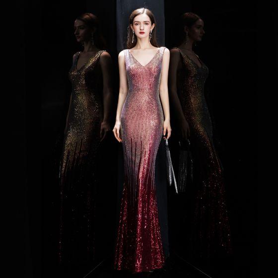 Glitzernden Burgunderrot Pailletten Abendkleider 2020 Meerjungfrau V-Ausschnitt Ärmellos Lange Rüschen Rückenfreies Festliche Kleider