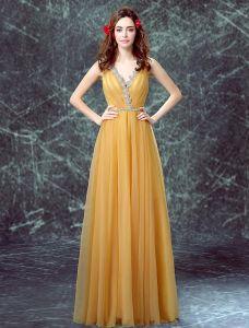 Glamouröse Abendkleider 2016 Tiefem V-ausschnitt Rüsche Weichen Gelben Tüll Kleid