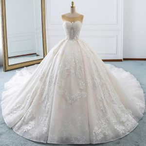 Luxury / Gorgeous Ivory Wedding Dresses 2018 Ball Gown Lace Appliques Sequins Rhinestone Scoop Neck Backless Sleeveless Royal Train Wedding