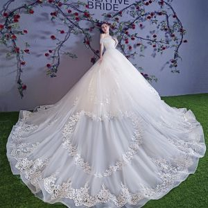 Stunning Ivory Wedding Dresses 2018 Ball Gown Lace Appliques Pearl Off-The-Shoulder Backless Sleeveless Royal Train Wedding